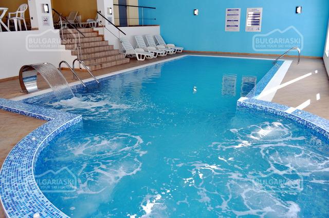 Stream Resort Hotel 19
