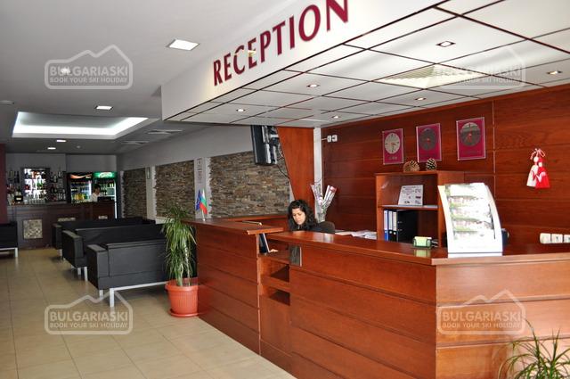 Stream Resort Hotel 5