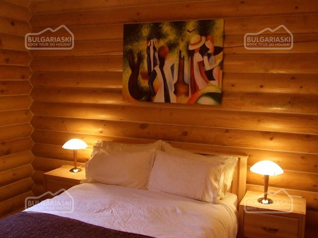 The Green Pine Chalet10