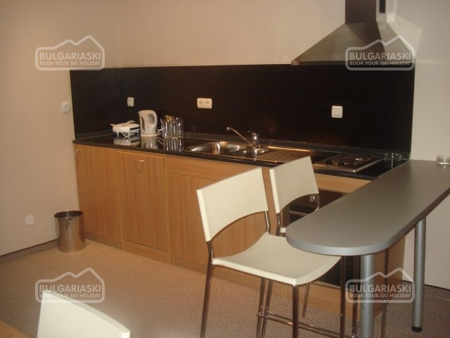 Snezhanka Apartments11