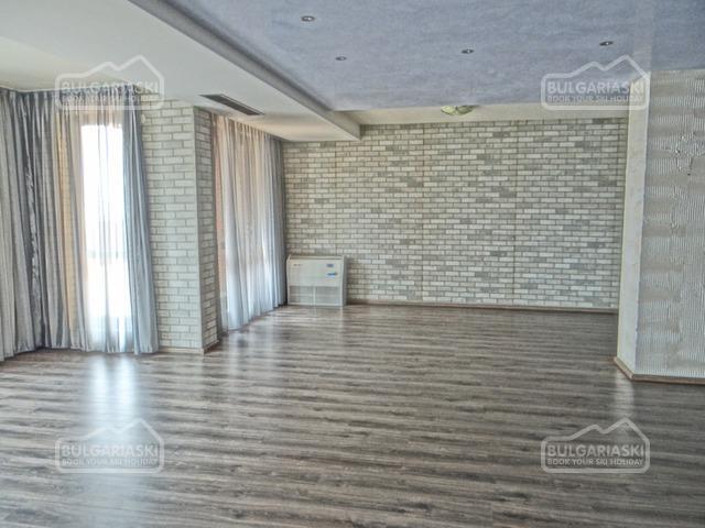 Grand Royale Apartment Complex & Spa5