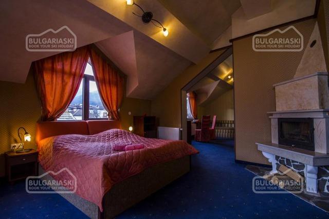 Friends Hotel21