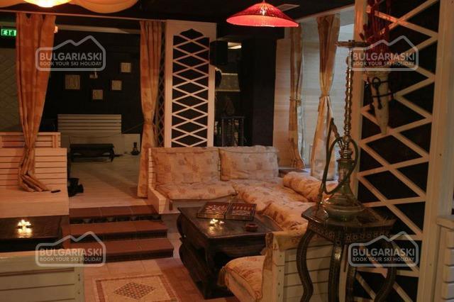 Friends Hotel22