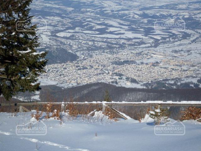 Kom ski resort1